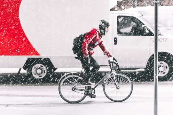 bicycle delivery in snow