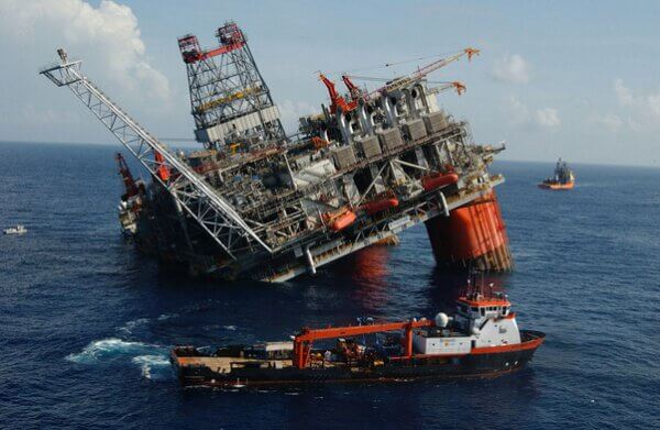 oil rig hurricane climacell weather intelligence
